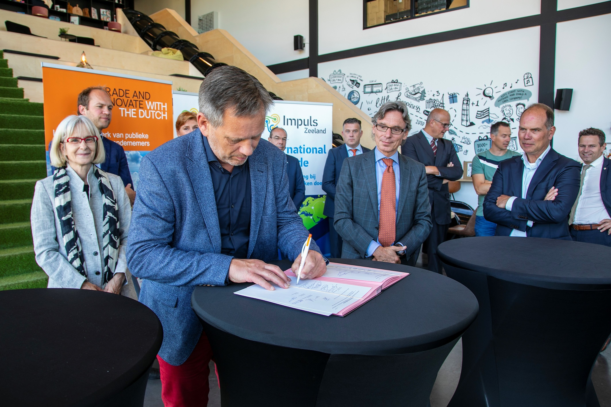 Ondertekening20convenant20Impuls20 20Trade20and20Innovate20NL20persbericht